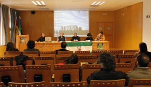 La mesa ha estado moderada por el profesor Agustín Coca