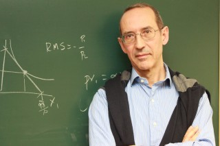 Antonio Villar es catedrático de Fundamentos de Análisis Económico de la UPO