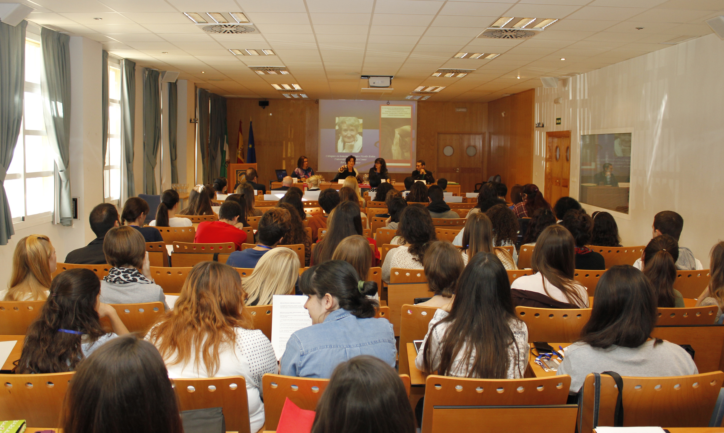 III Coloquio Internacional Género e Intertextualidad, Universidad Pablo de Olavide, Sevilla, 27 y 28 de octubre de 2015.
