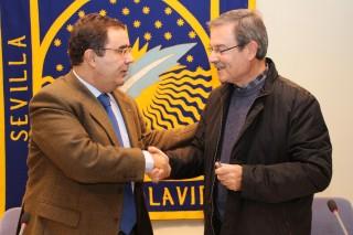 Vicente Guzmán y Diego Polo tras la firma del convenio