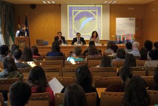 El rector junto al decano y vicedecana  de  Prácticas, Empleabilidad e Internacionalización de la Facultad de Ciencias Sociales han inaugurado este encuentro