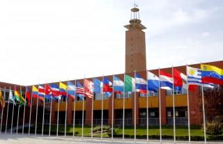 Imagen https://www.upo.es/diario/wp-content/uploads/2014/10/pz-america-banderas01-320x207.jpg