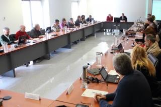 consejo de gobierno reunido en el rectorado
