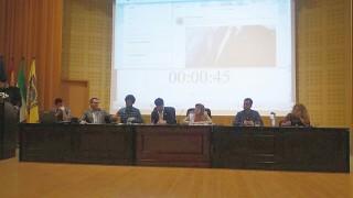 """""""SevillaADebate"""", debate electoral en el que han participado representantes de diferentes partidos políticos para establecer un diálogo con la comunidad universitaria."""