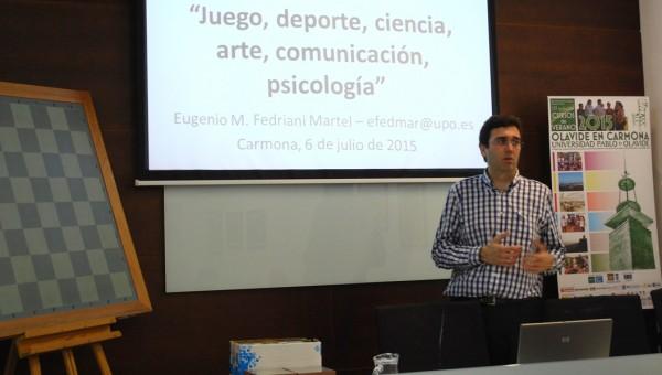 Eugenio M. Fedriani Martel durante el Curso de Verano en Carmona