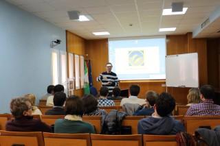 El profesor de la UPO, Juan D. Moreno, ha presentado el workshop
