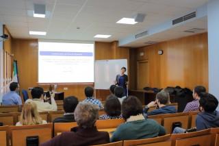 Ana Mauleón de la Universidad de Sain-Louis ha impartido la primera ponencia