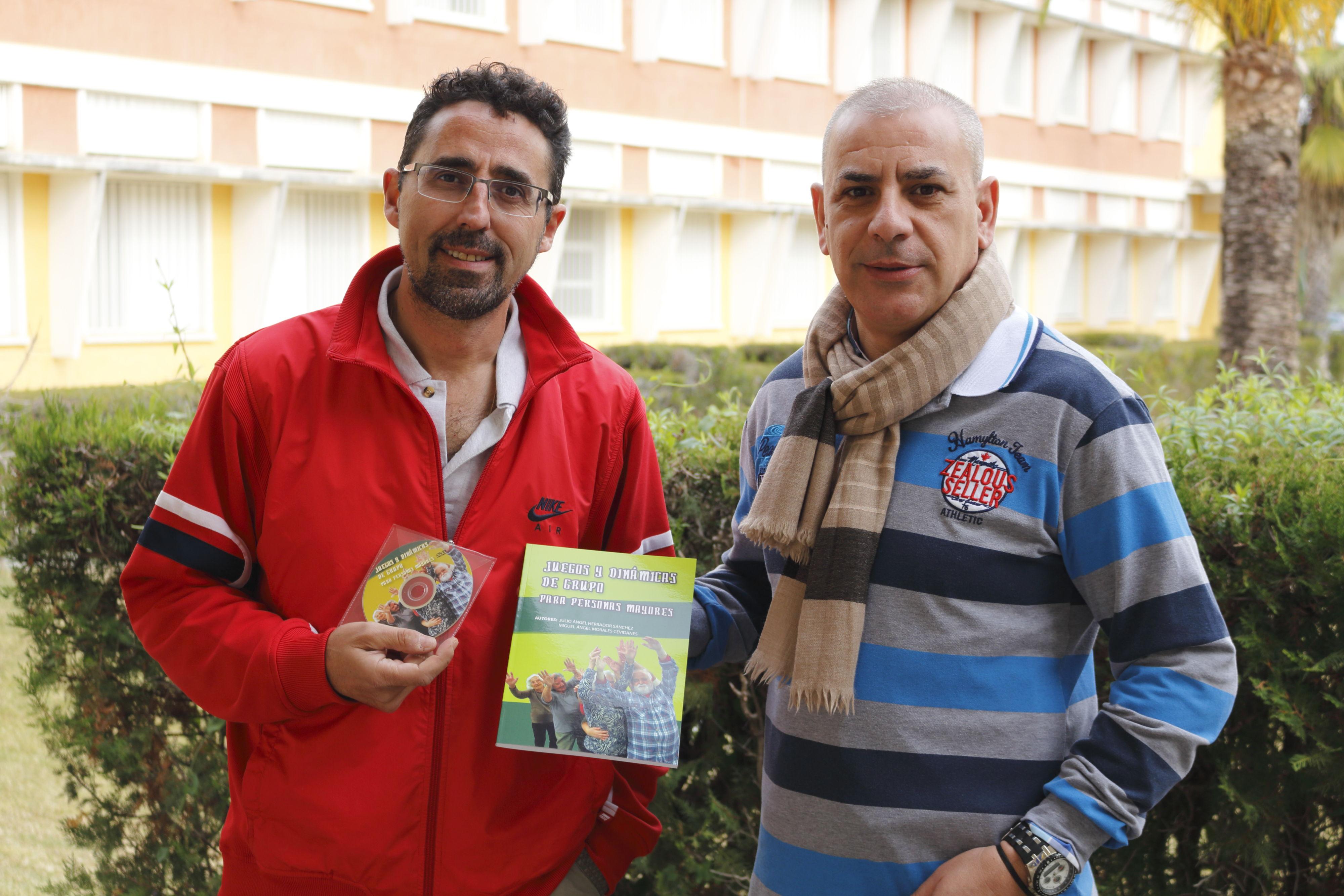Dos Profesores De La Upo Publican Un Libro Sobre Juegos Y Dinamicas