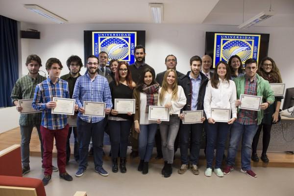 Certificados de participación para los estudiantes de nuevo ingreso en Emprendevirus