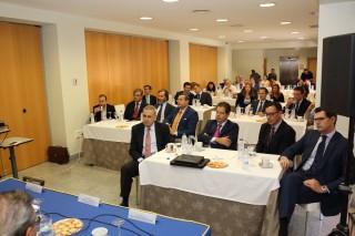 Representantes de diferentes empresas han participado en este desayuno económico.