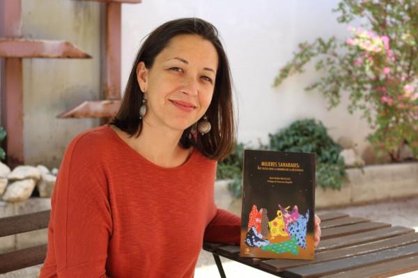 Rocío Medina, autora de 'Mujeres  saharauis: Tres tuizas para la memoria de la resistencia'