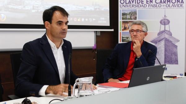 Pablo Ruz durante la clausura del curso en la sede de la UPO en Carmona