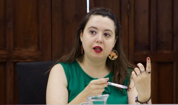 """La escritora María Zaragoza ha participado en el curso de verano """"Taller de escritura creativa: de la idea a la palabra. Disparadores creativos y recursos""""."""