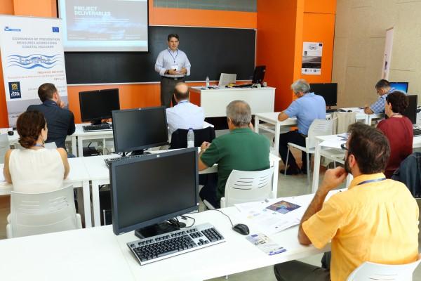 Gonzalo Malvárez en la presentación del seminario EcosHaz