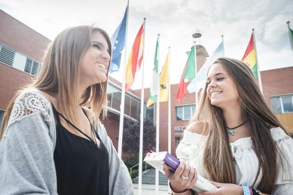 Durante el curso 2014/2015, un total de 1.212 estudiantes disfrutaron del Programa Erasmus gestionado en la Universidad Pablo de Olavide.