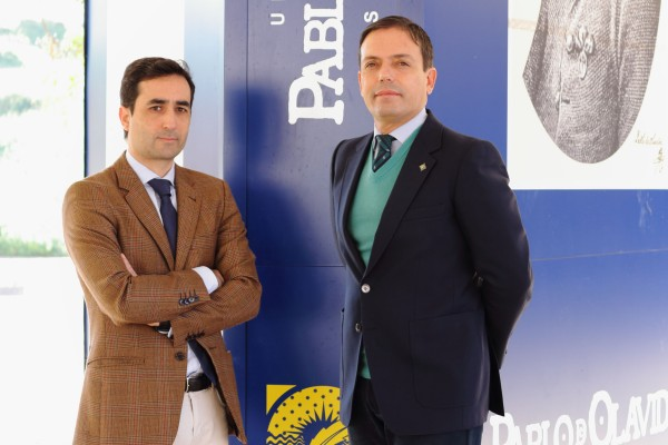 En la imagen, de izquierda a derecha, los profesores Enrique Jiménez y José Manuel Feria.