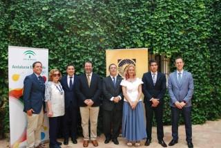 Desde la izquierda: José Manuel Feria, Amparo Rubiales, Gaspar Llanes, Juan Ávila, Vicente Guzmán, Montserrat de los Reyes, Juan Borrego y David Naranjo.