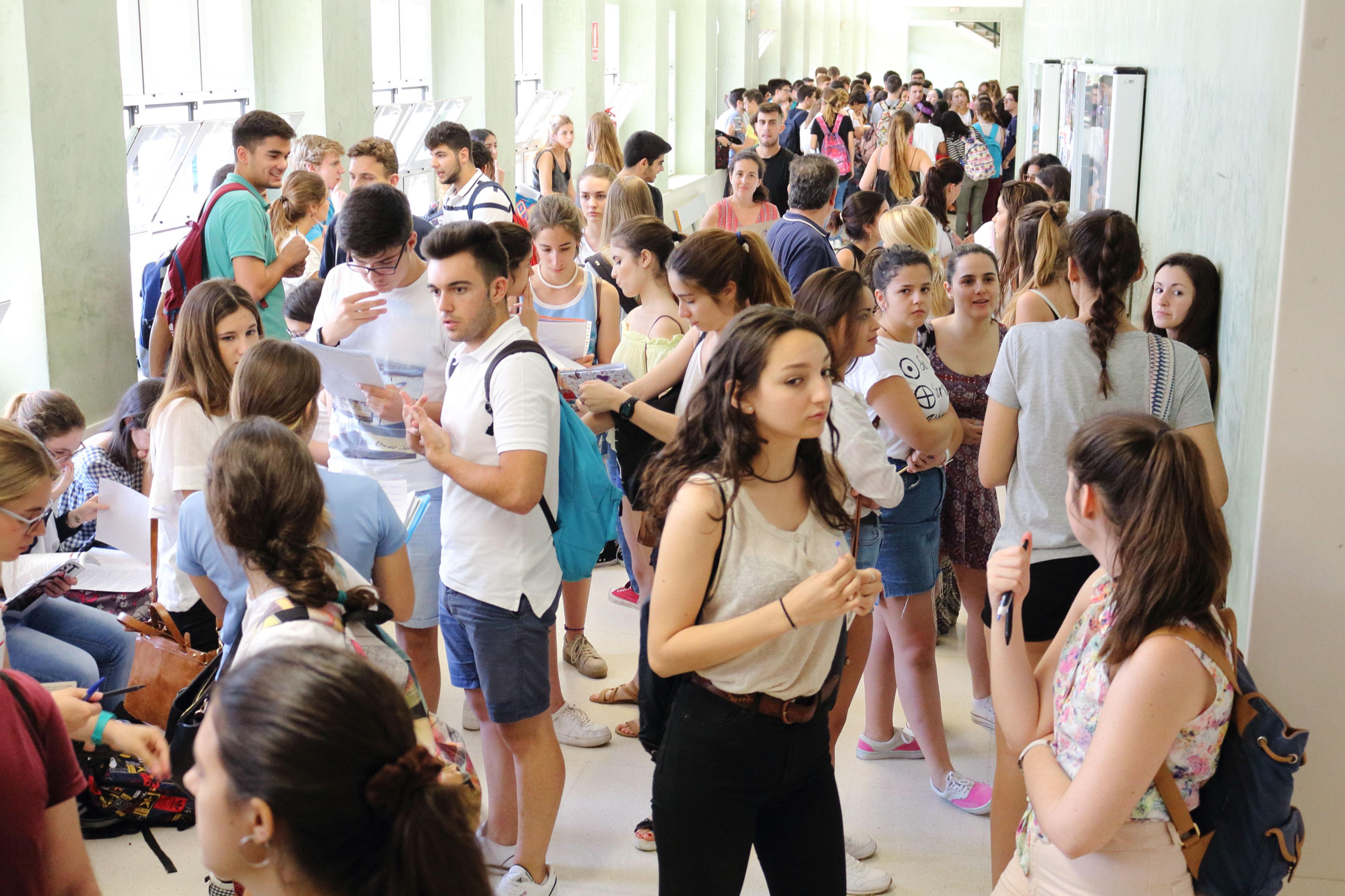 Estudiantes durante la Prueba de Acceso y Admisión en la UPO.