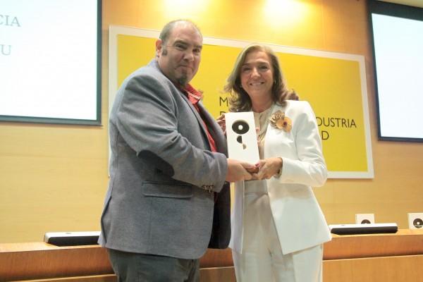 Imagen https://www.upo.es/diario/wp-content/uploads/2017/09/entrega-maria-de-maeztu-GEM-CABD-600x400.jpg