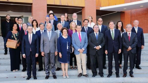 Asistentes al IV Encuentro UPO - Cuerpo Consular de Sevilla