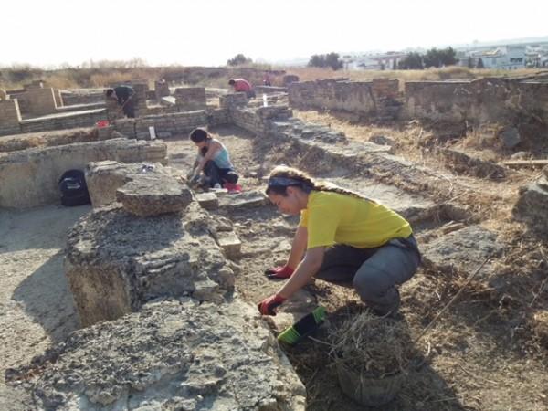 Imagen de los trabajos desarrollados durante el pasado mes de julio en la Casa de la Cañada Honda.