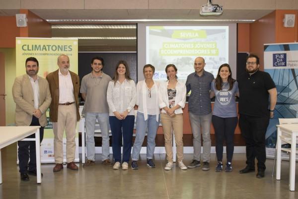Ganadores del 'Climatón de Sevilla' con el jurado