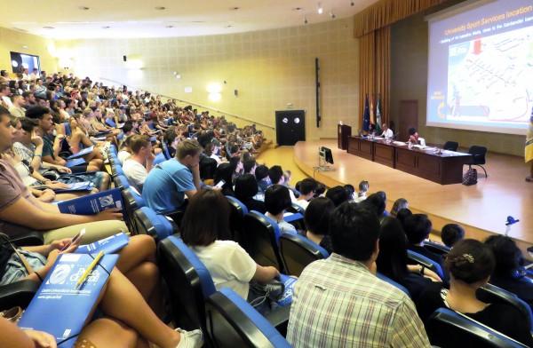 Bienvenida a los estudiantes internacionales de la UPO en el Paraninfo