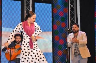 Marta Rodríguez al baile, Kaveh Nassehi a la guitarra y Paco Mejías al cante.