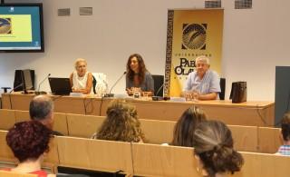 De izquierda a derecha: Carmen Monreal, la decana Facultad de Ciencias Sociales, Rosa Díaz, y  Luis Amador.