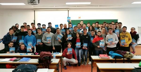 Estudiantes de la Facultad de Ciencias del Deporte participantes en la elaboración del libro