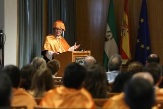 El profesor Zahra en un momento de su discurso.