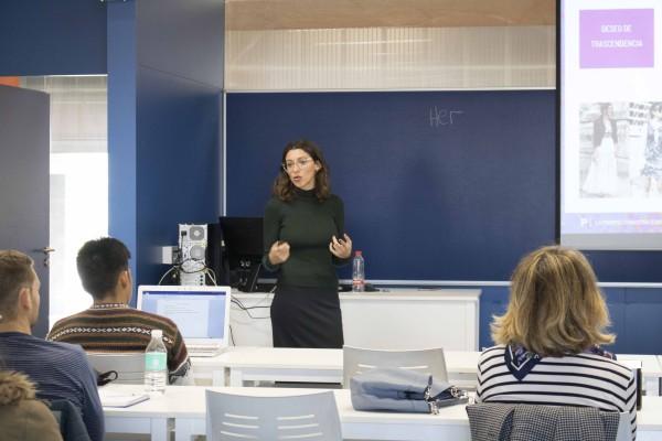 Paola Caballer es secretaria de la Asociación Andaluza de Coolhunting