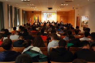"""El programa """"Juega limpio, el valor educativo y social del deporte"""" se ha presentado esta mañana en la UPO."""