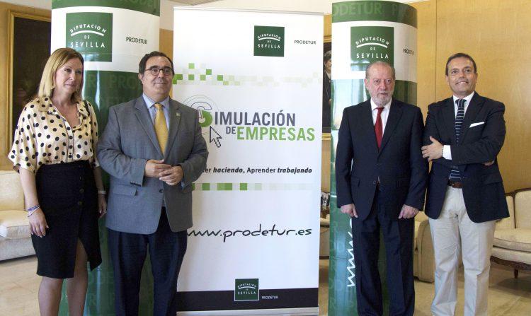 Mª José Trigueros, Vicente Guzmán, Fernando Rodríguez Villalobos y José M. Feria en la Diputación de Sevilla