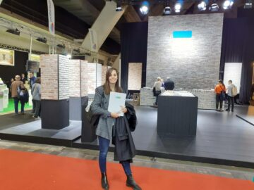 Laura Zunk en la feria de construcción Batibouw.
