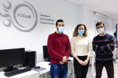 Javier Águila, Alba María Aragón y Abraham García, becarios de formación del FCSLAB