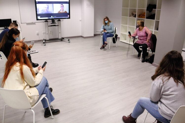 vídeo llamada con Estrella Abolafio en el Laboratorio de Ciencias Sociales