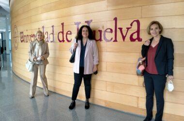 Carmen Monreal, Gema Otero y Rocío Cárdenas en la UHU