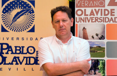 Rafael Merinero en la sede de la UPO en Carmona
