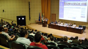 Sesión del Claustro en el Paraninfo de la Universidad Pablo de Olavide