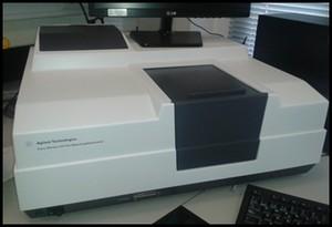 Espectrofotómetro Agilent Cary-100